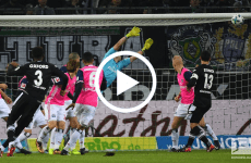 ไฮไลท์ฟุตบอล บุนเดสลีกา เยอรมัน : มึนเช่นกลัดบัค -VS- ฮัมบูร์ก 15 -12-17